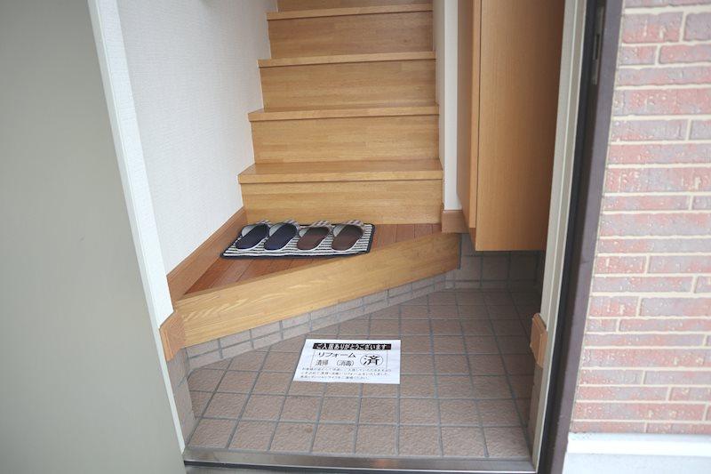 内階段で、戸建て感覚を味わえます。