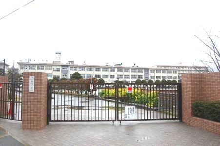 小学校:香椎小学校 200m
