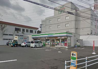 コンビ二:ファミリーマート 小倉長野店 331m