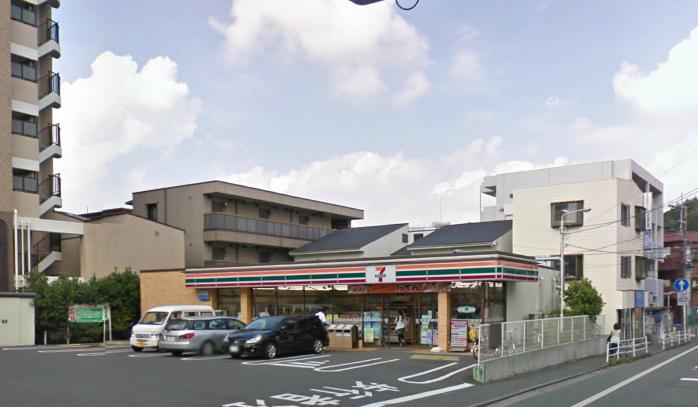 コンビ二:セブンイレブン 藤沢朝日町店 354m
