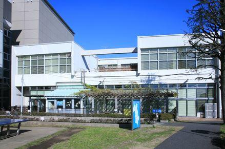 図書館:藤沢市南市民図書館 1319m