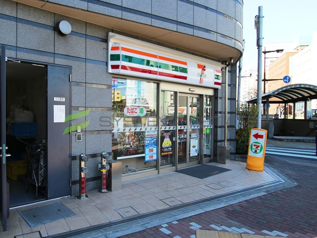 コンビ二:セブンイレブン日本橋横山町店 65m