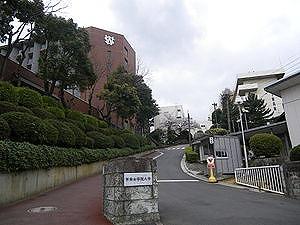 大学・短大:私立西南女学院大学 1212m
