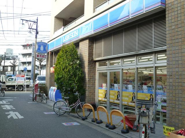 コンビ二:ローソン目黒鷹番三丁目店 1m 1F