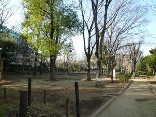 公園:中央緑地公園 190m