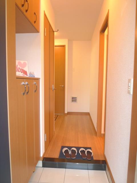 ただいま!玄関を開けるとこんなイメージの玄関です