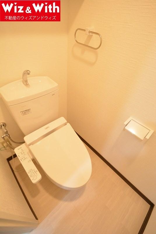洗面奥にあるトイレ