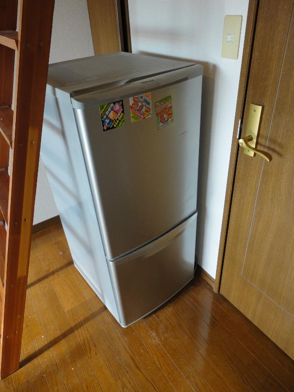 2ドア冷蔵庫完備
