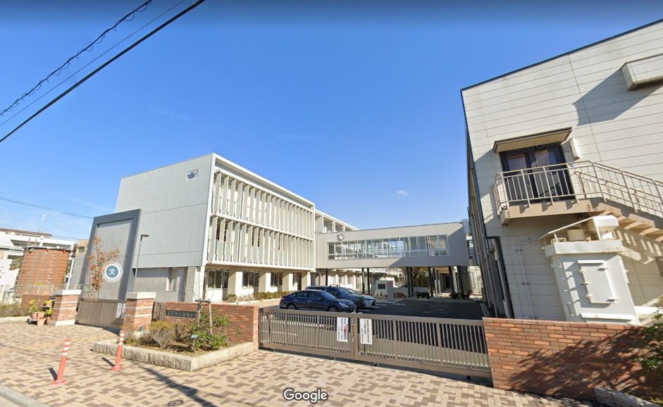 中学校:浜松市立蜆塚中学校 400m