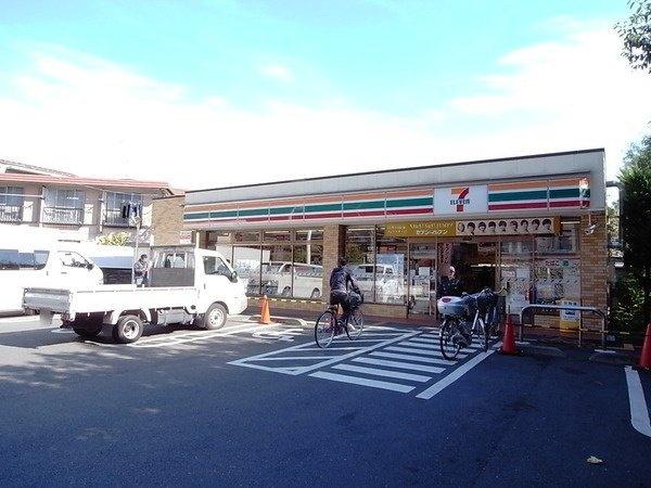 コンビ二:セブンイレブン 世田谷経堂3丁目店 222m