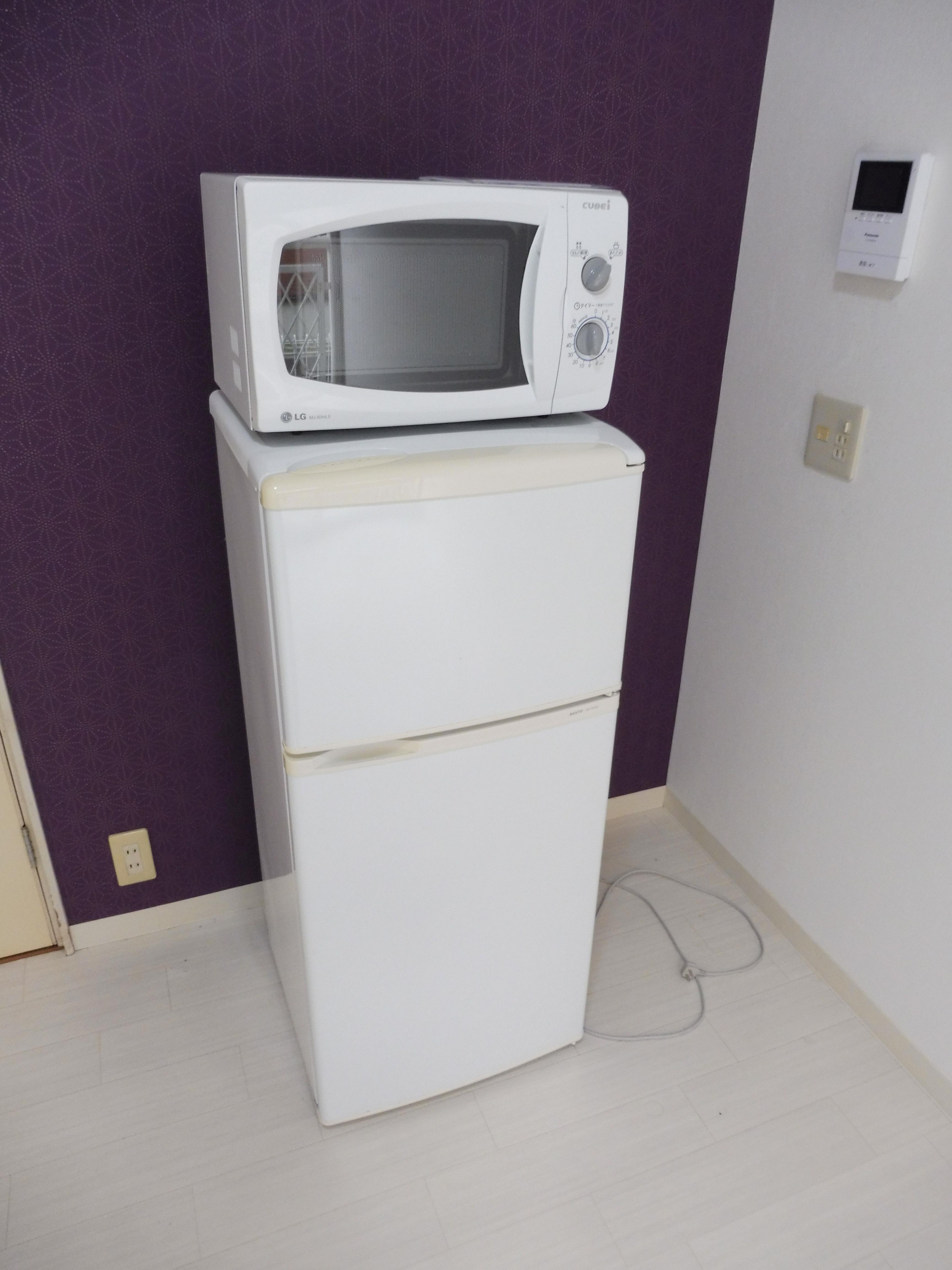 冷蔵庫・電子ンジは残置物扱いです。