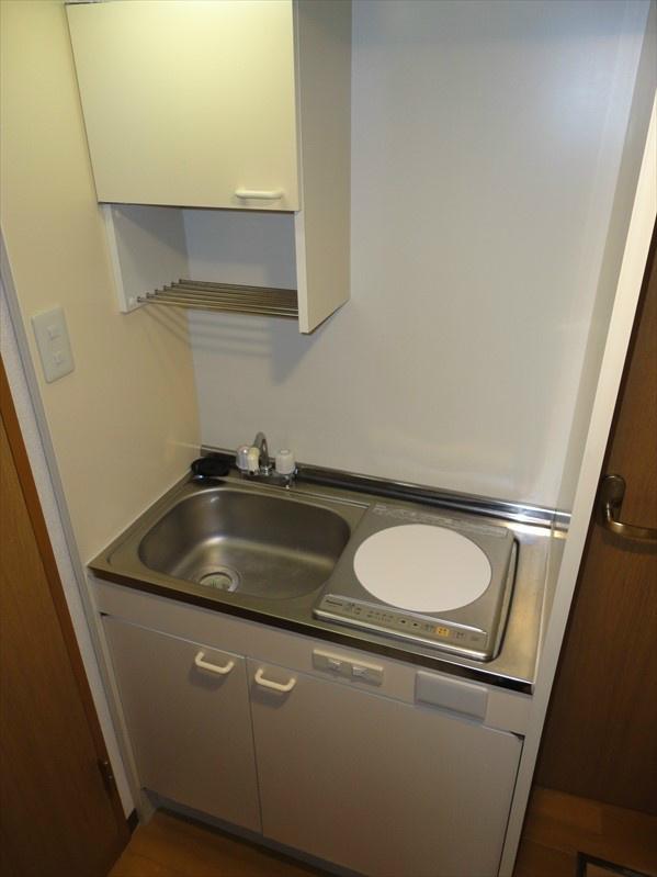 IHクッキングヒーター完備のキッチンです。