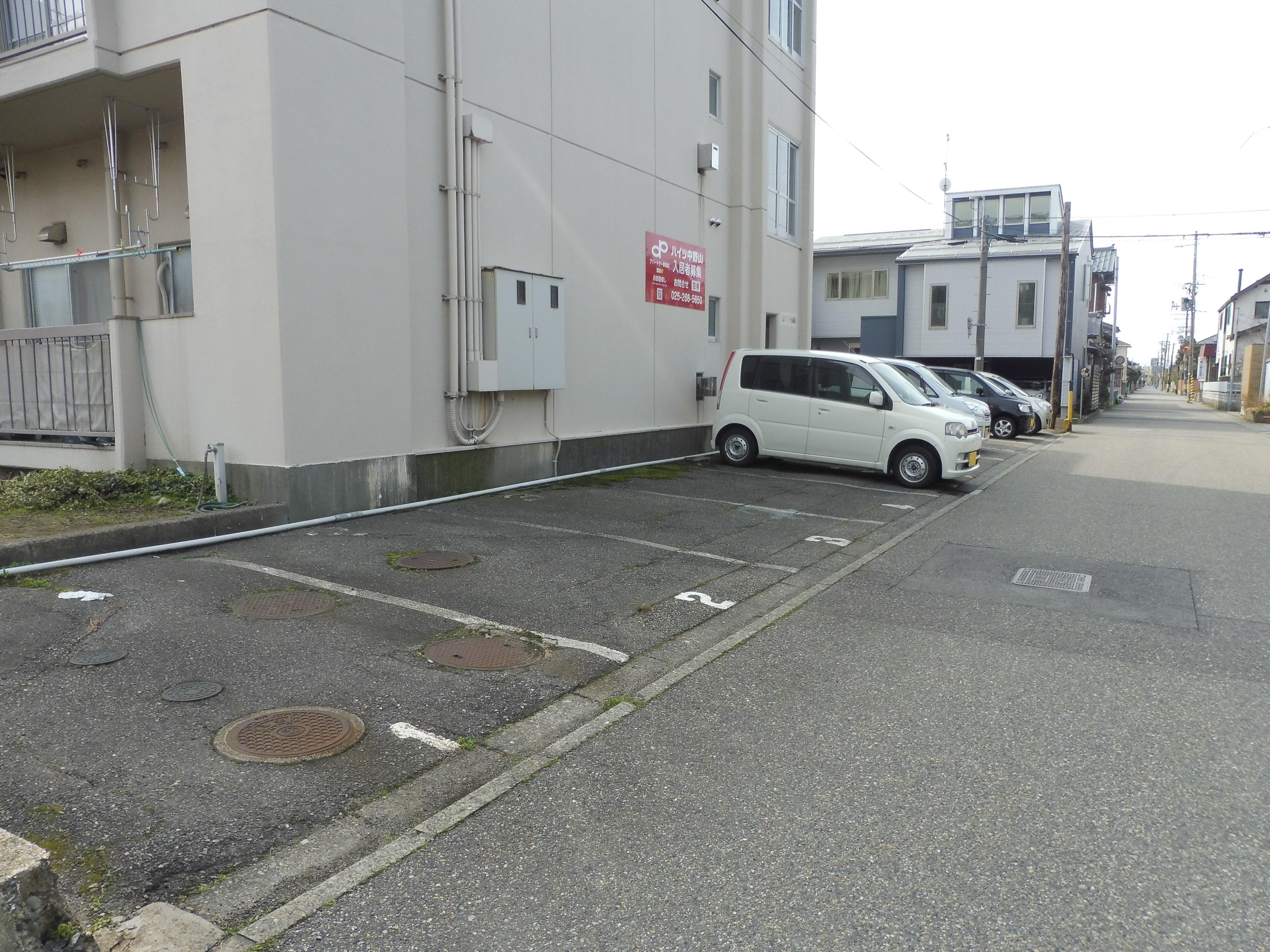 敷地内1台込(小型車)