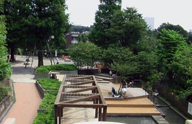 公園:三田丘の上公園 210m