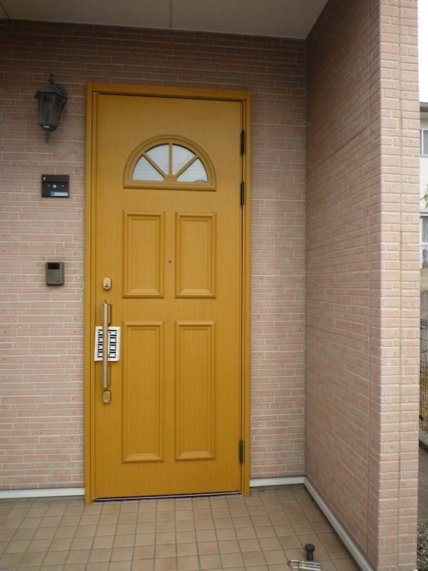 扉もかわいい感じです