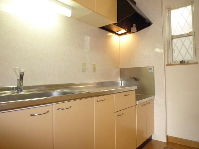 ガスコンロ置き型のタイプのキッチンです