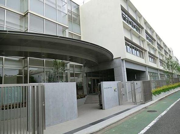 小学校:桜町小学校 550m