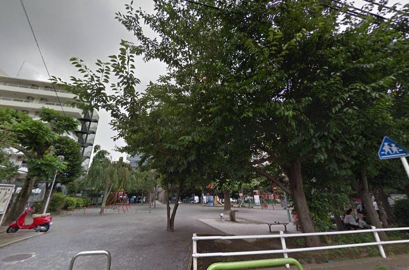 公園:笄 (こうがい) 公園 280m