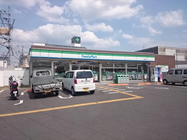 コンビ二:ファミリーマート 城陽寺田店 78m