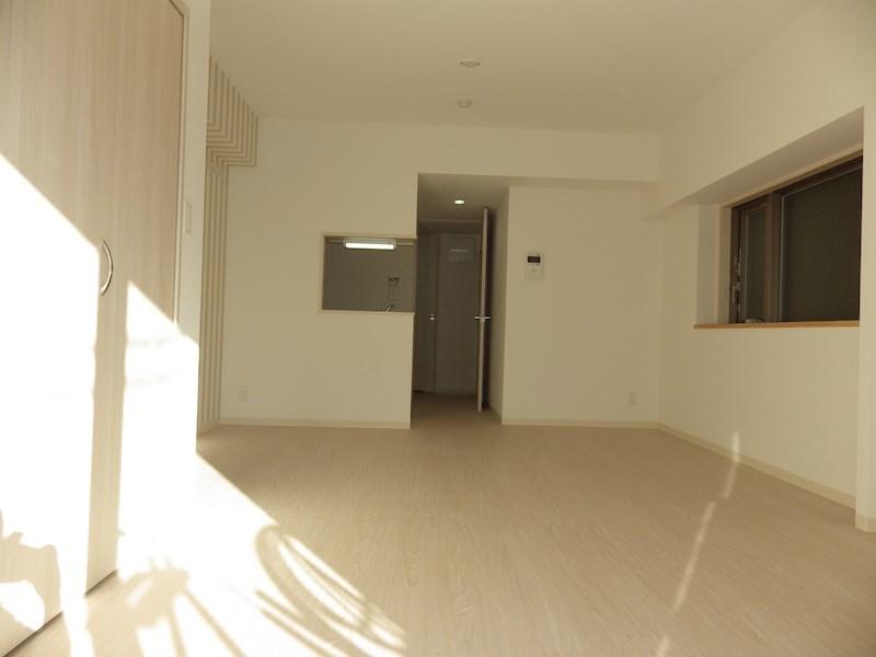 LDK・洋室側から撮影(同タイプ)