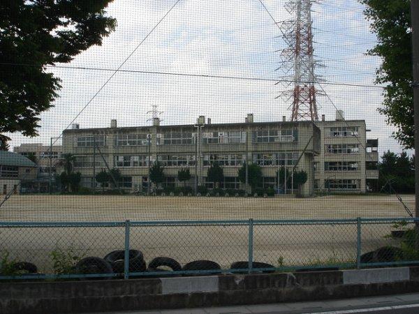 中学校:川柳小学校 1500m