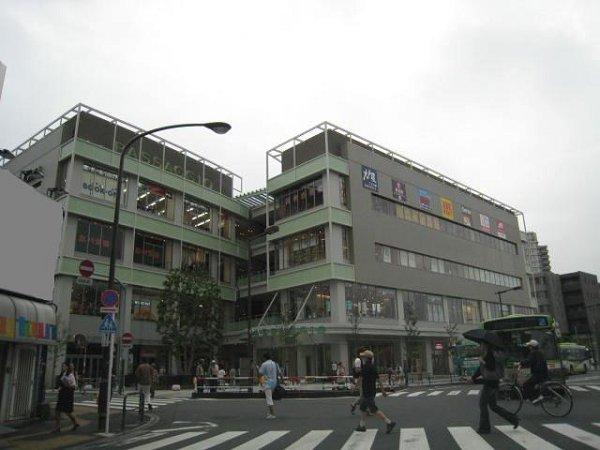 ショッピング施設:パサージオ 189m