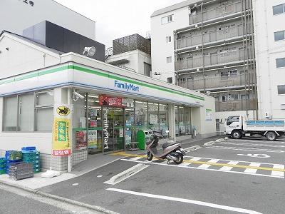 コンビ二:ファミリーマート 銀閣寺白川通店 357m