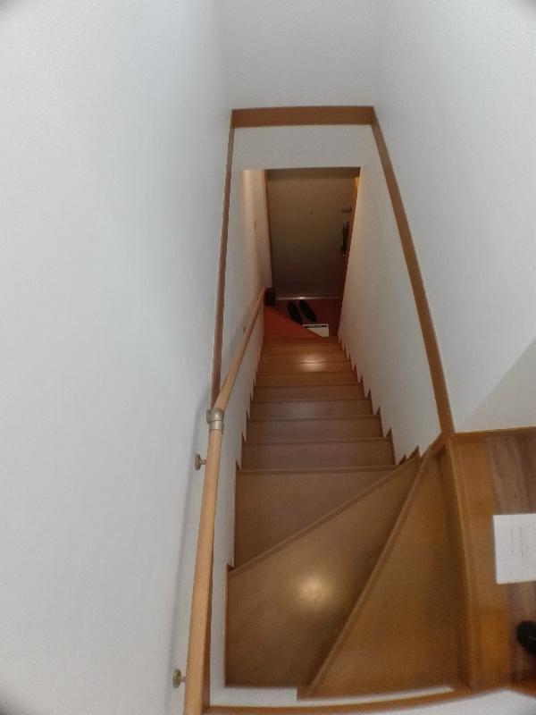 専用階段(下り)