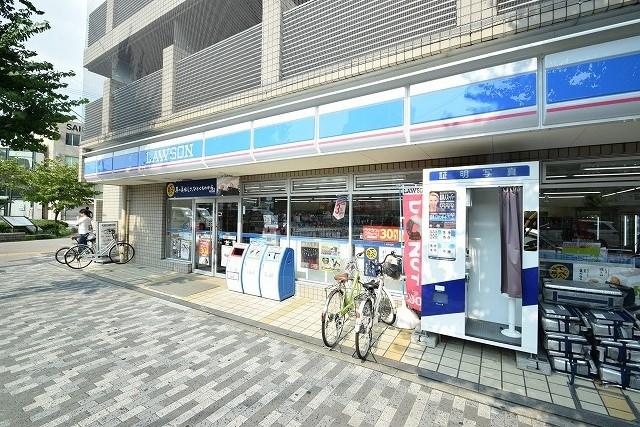 コンビ二:ローソン 千本丸太町店 393m
