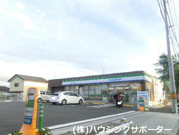 コンビ二:ファミリーマート 八王子かすみ学園通り店 500m