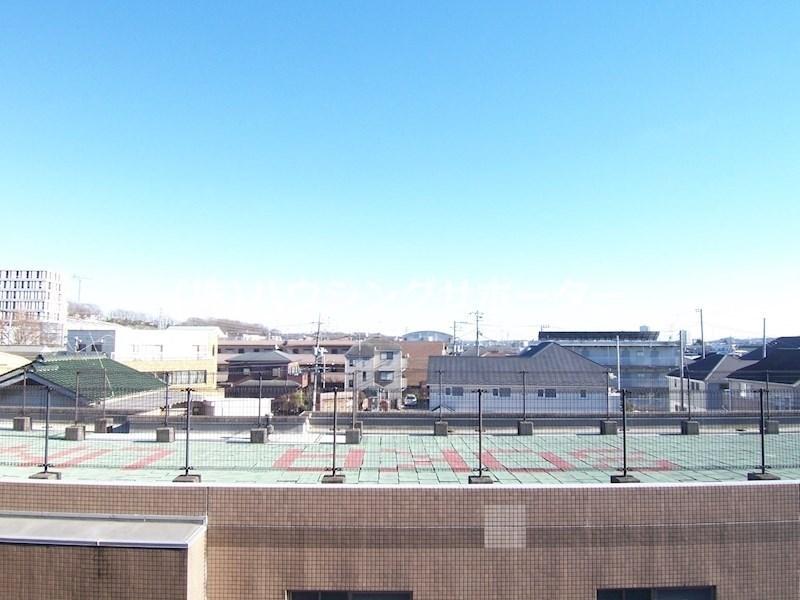 3階の眺望です。1階2階は前面(学生寮)が正面にあります