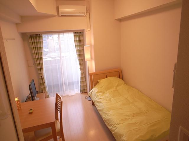 生活に役立つ家具がそろったお部屋。生活環境整ってます。