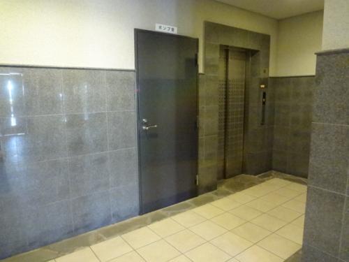 広いエレベーターホール。