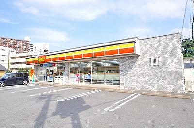 コンビ二:デイリーヤマザキ 八幡槻田店 332m 近隣