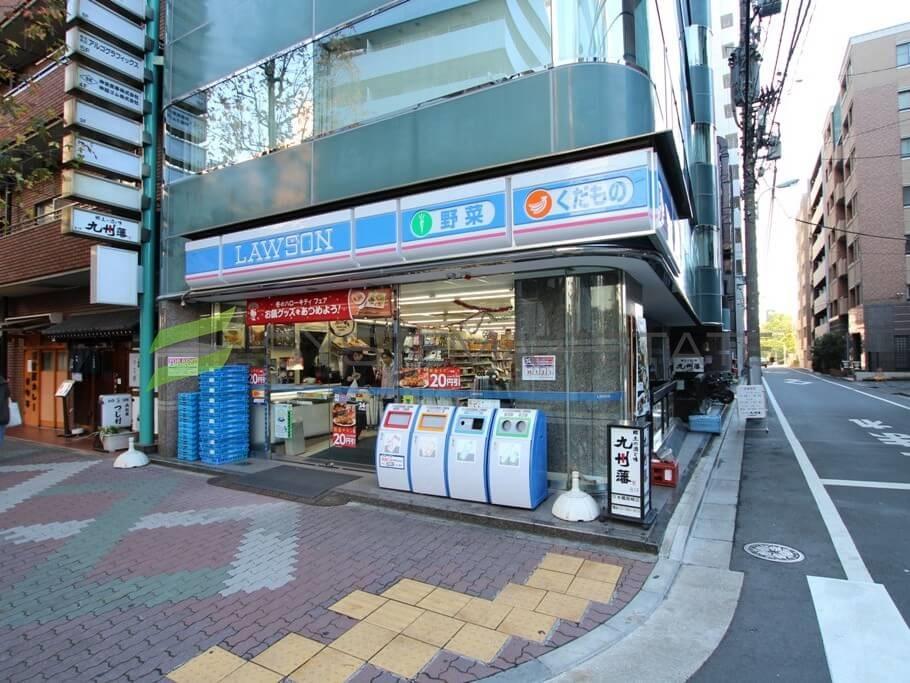 コンビ二:ローソン 日本橋箱崎店 155m