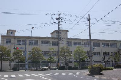 中学校:香椎第1中学校 550m