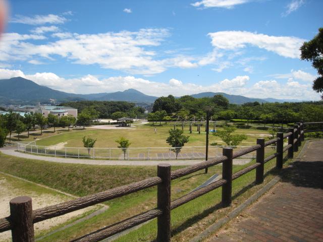 公園:天拝坂中央公園 180m