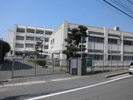 中学校:筑紫野市立筑山中学校 600m