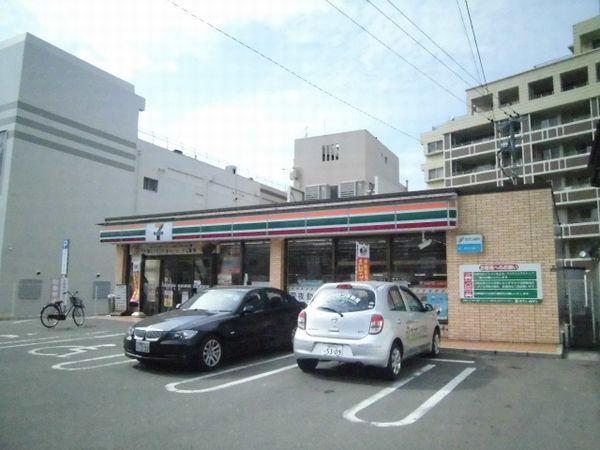 コンビ二:セブンイレブン 西鉄二日市駅東店 400m
