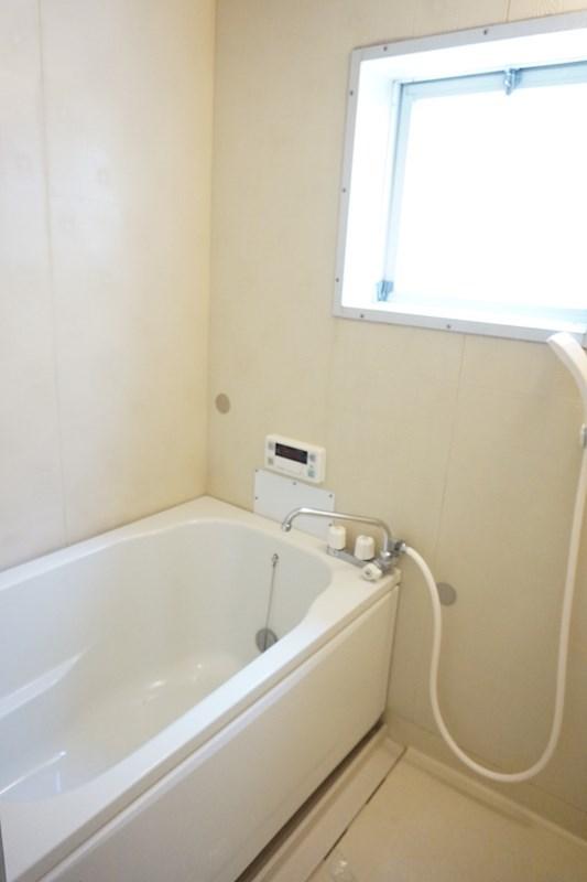 浴室に小窓があり換気も〇