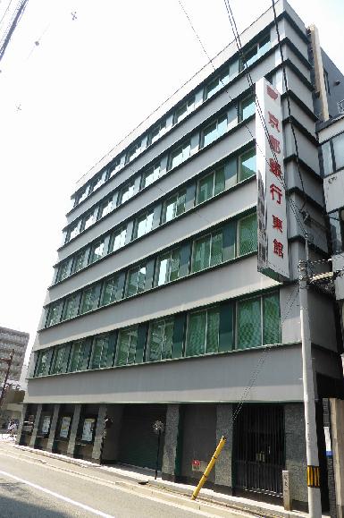 銀行:京都銀行本店 215m