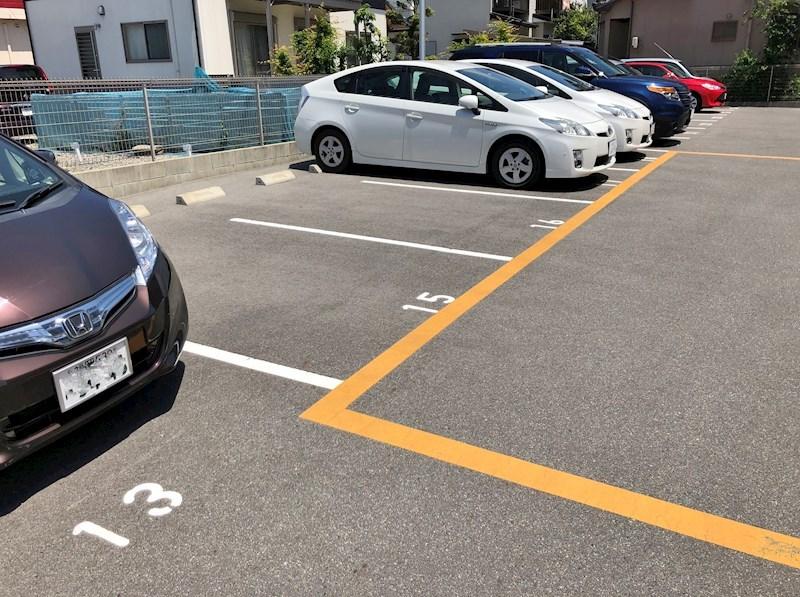 屋外平置駐車場