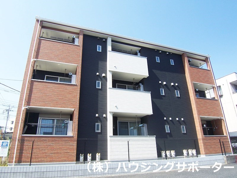 3階建のアパートです!