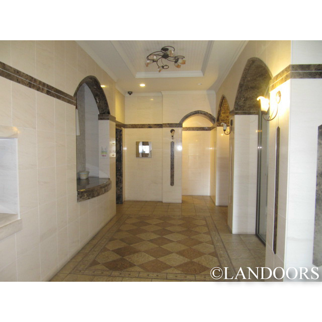 プレサンス泉セレグレードの共用ホール
