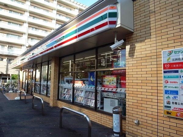 コンビ二:セブンイレブン 江東三好4丁目店 319m