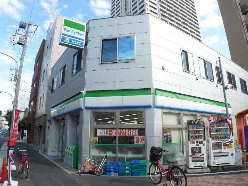 コンビ二:ファミリーマート 江東白河四丁目店 389m