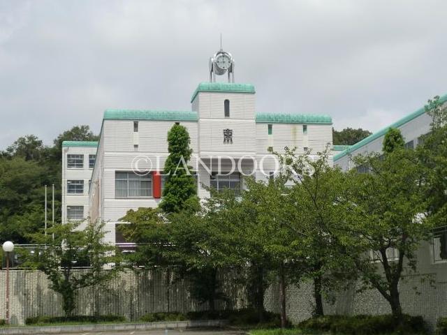 中学校:名古屋市立東星中学校 1670m