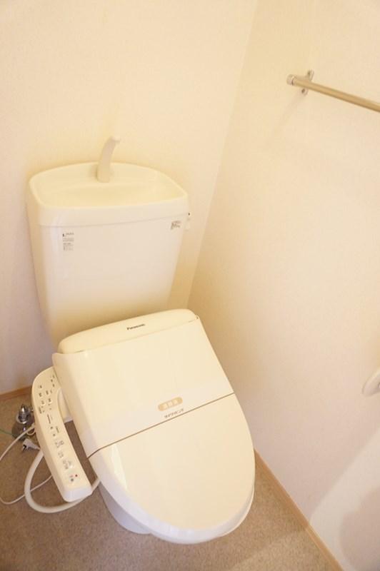 温水洗浄暖房便座付きトイレ