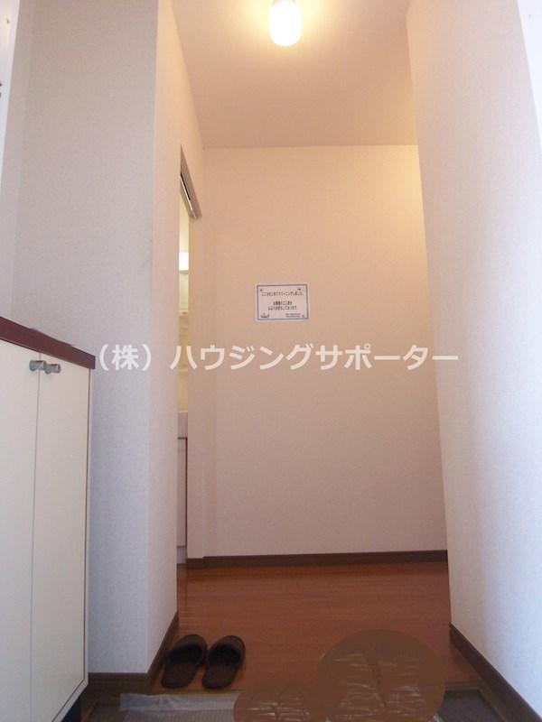 室内写真は201号室になります