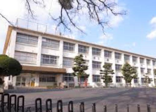 小学校:直方市立感田小学校 1791m